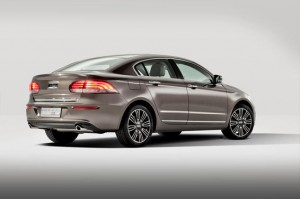 Qoros-3-Sedan-rear-qtr-wheels-turned-lights-on_gallery_preview